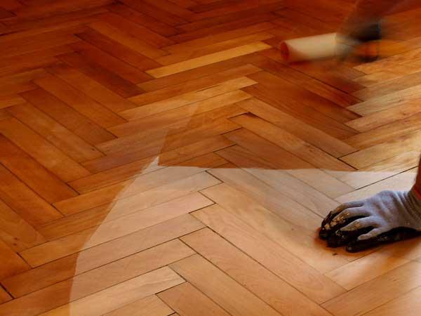 Levigatura parquet dare nuova vita al legno costok - Parquet trattamento ...