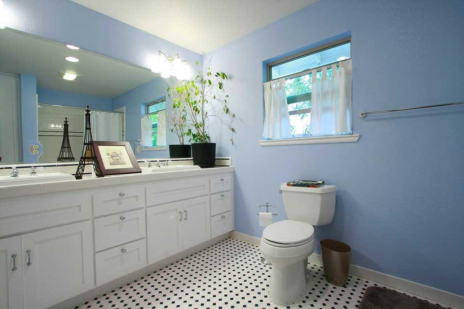 Come arredare un bagno moderno design sempre nuovi costok - Arredare bagno grande ...