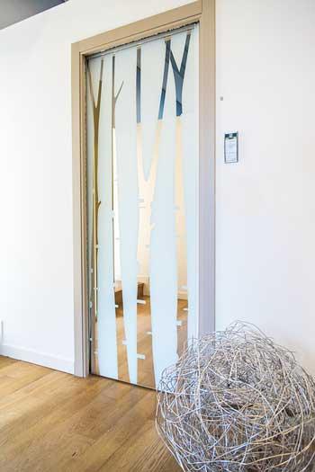 porta scorrevole in vetro innovativa