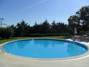 piscina-pulita-con-sole