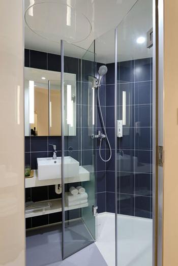 Idee per arredare bagno stretto e lungo costok - Bagno stretto e lungo con doccia ...